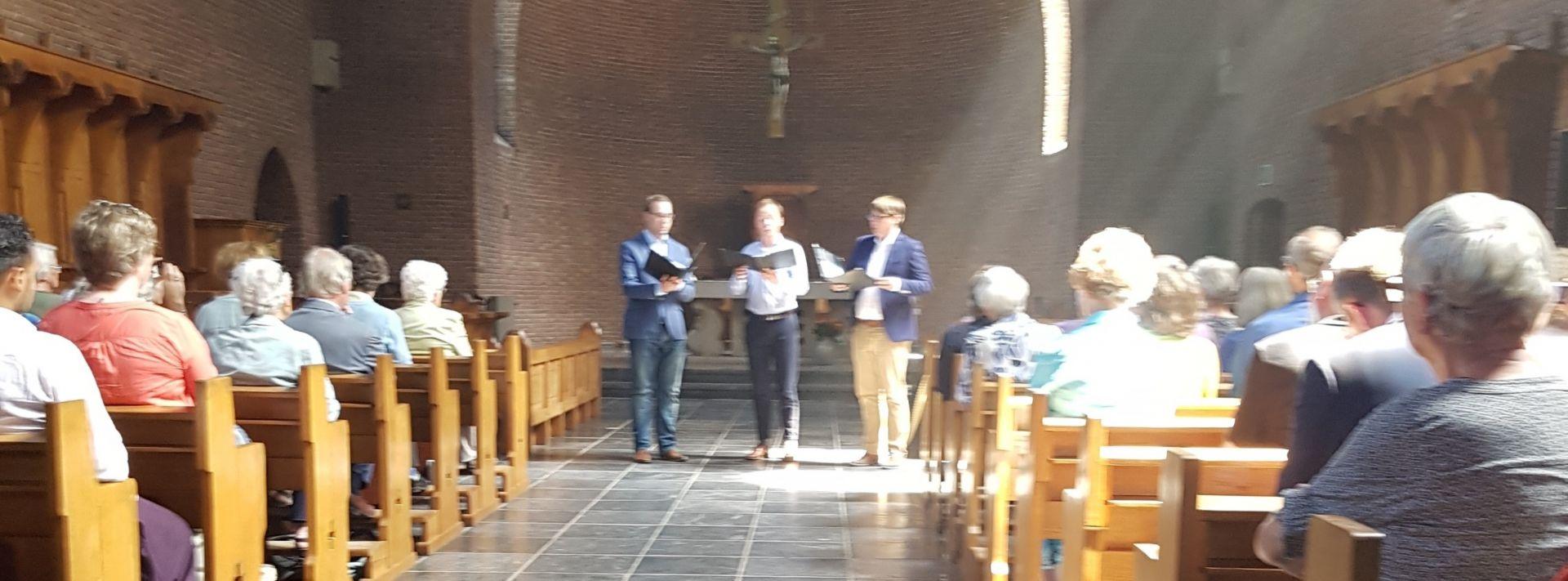 B.g.v. presentatie boekje Kloosterleven van DEZINNEN